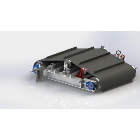 Separator magnetic transversal cu curatire automata