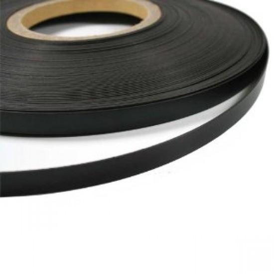 Banda magnetica gros. 2mm, latime 10mm - 1 metru liniar NEADEZIVA !!!
